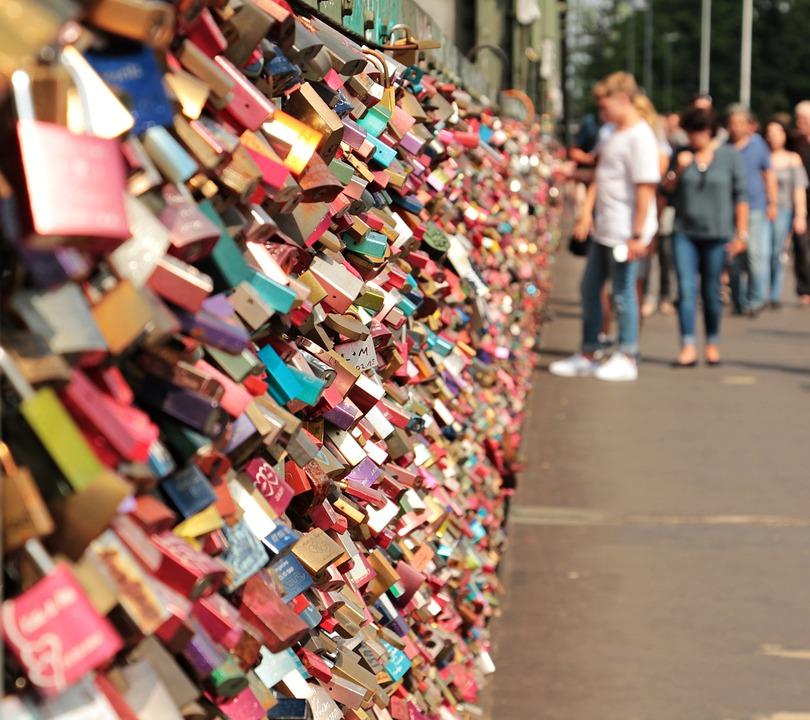 love lock bridge history